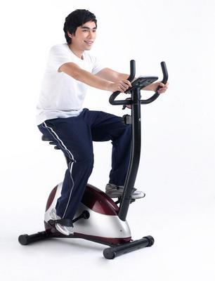 exercice pour le dos vélo stationnaire
